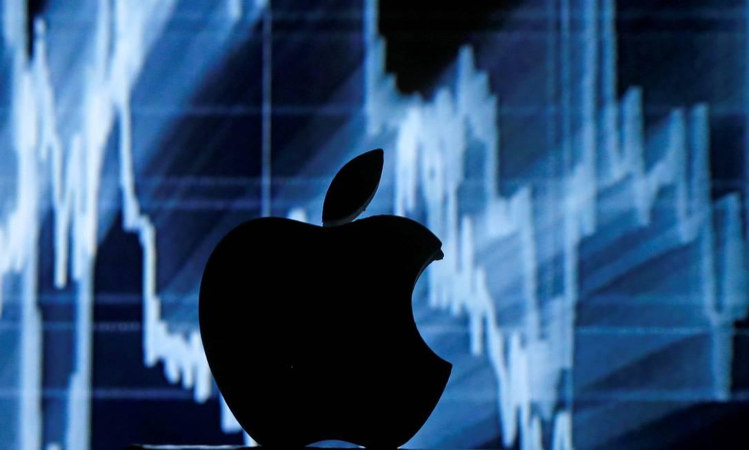 Apple: vendas de seus smartphones continuam a cair. Foto: Dado Ruvic / REUTERS