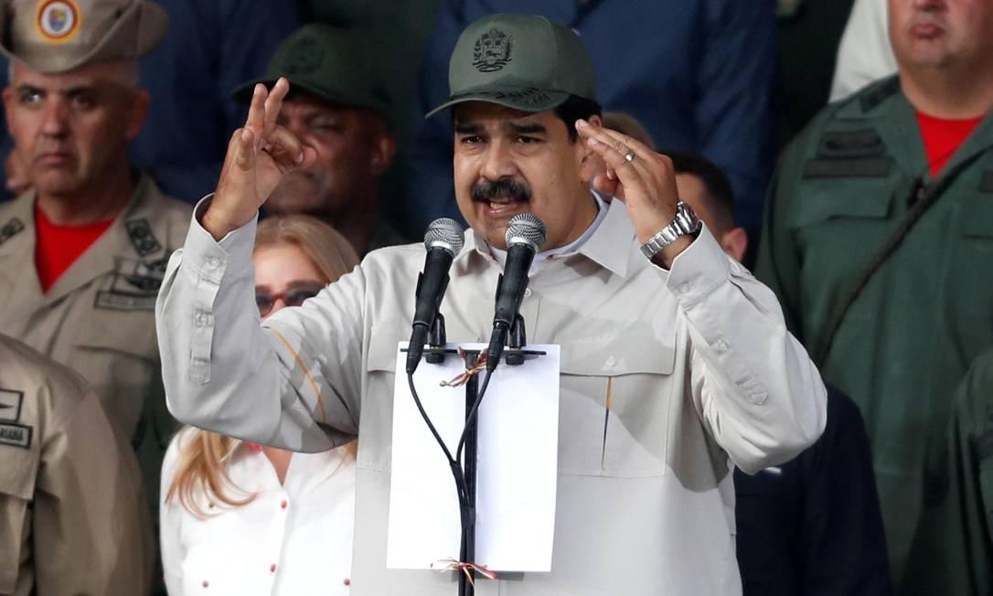 O presidente da Venezuela, Nicolás Maduro, discursa em cerimônia no último dia 13 de abril para marcar o 17º aniversário da volta ao poder do falecido líder venezuelano Hugo Chávez após tentativa de golpe: ele também foi alvo de tentativa de derrubada nesta terça Foto: Carlos Garcia Rawlins/REUTERS/13-04-2019