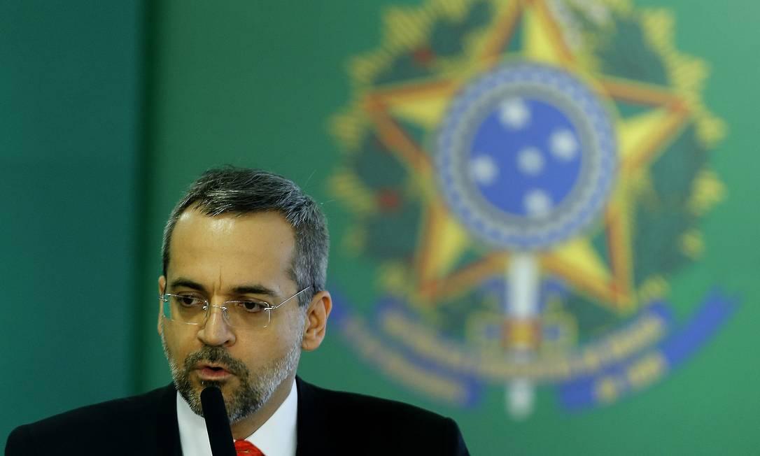 O Ministro da Educação, Abraham Weintraub, defendeu cortar gastos com universidades para priorizar creches Foto: Jorge William / Agência O Globo