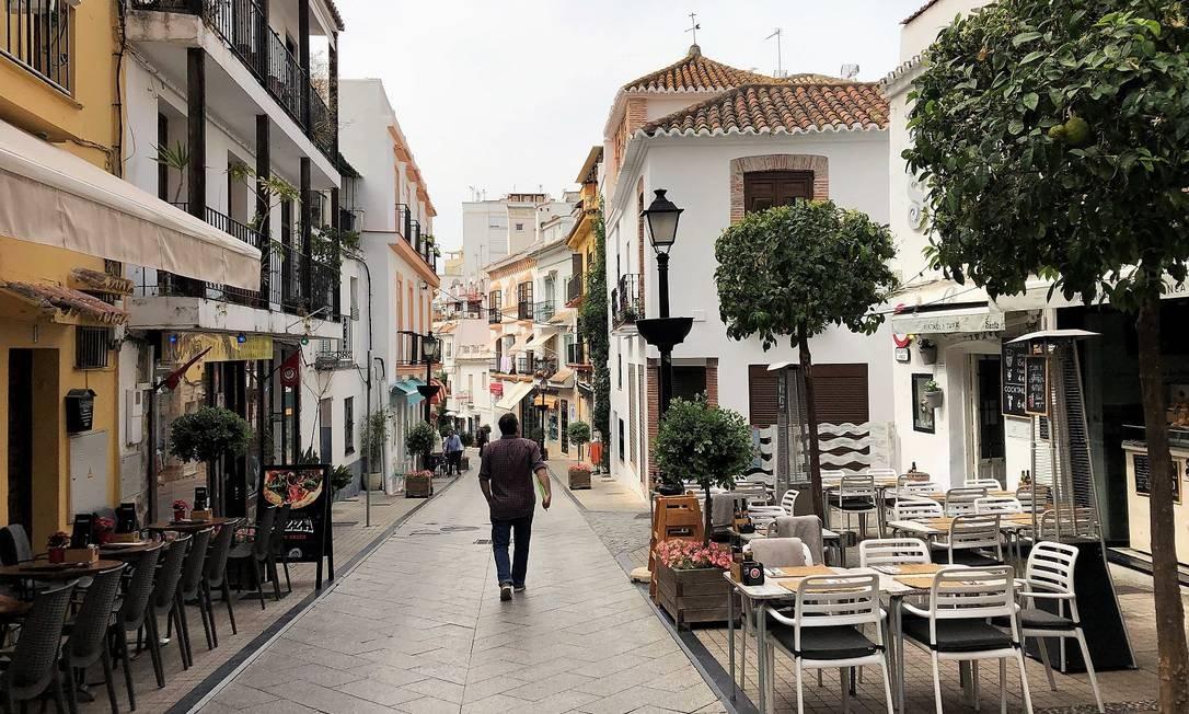 Caminhar pelo centro histórico de Marbella, a poucos quilômetros de Málaga, na Andaluzia, é um dos melhores programas nesta cidade, queridinha das celebridades Foto: Carla Lencastre