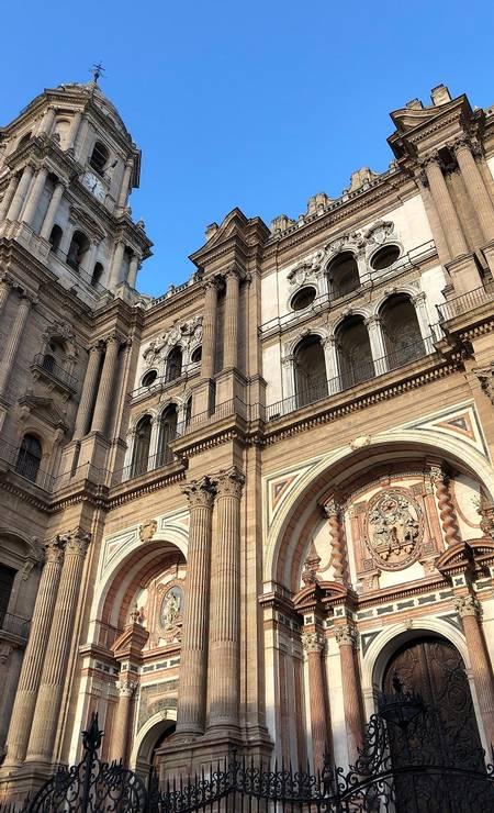 Fachada da Catedral de Málaga, construída entre os séculos XVI e XVIII e apelidade de Manquita, por ter apenas uma torre Foto: Carla Lencastre