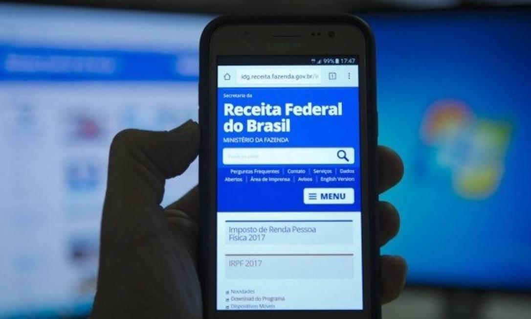 Imposto de Renda: número de declarações feitas por dispositivos móveis mais do que dobrou Foto: Michel Filho - Agência O Globo
