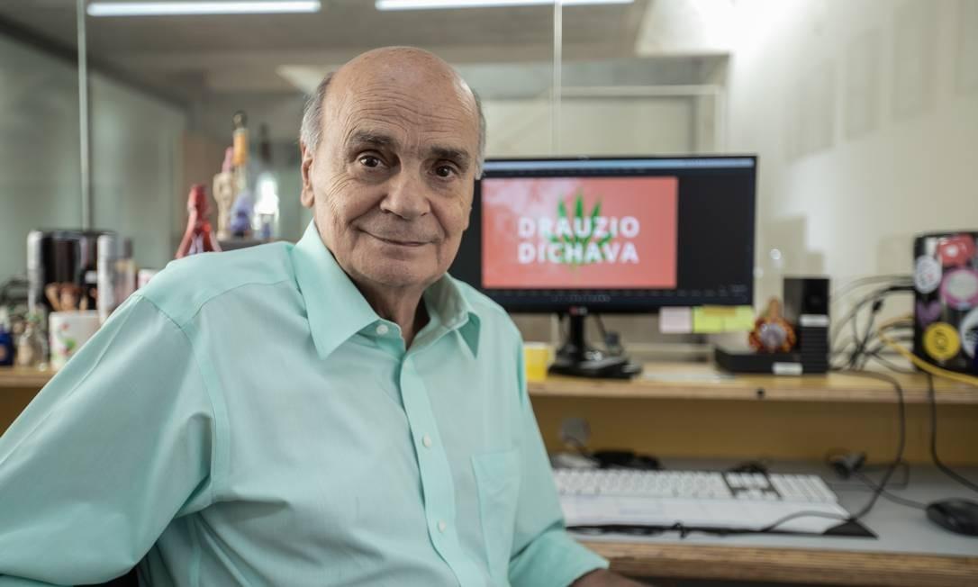 Drauzio Varella explorou o uso, os mitos e a ciência por trás da maconha em uma série disponível no YouTube Foto: Divulgação/Uzumaki Comunicação