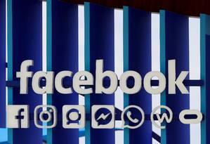 Com mais de 2 bilhões de usuários, Facebook tem potencial para alavancar o uso de criptomoedas pelos consumidores Foto: Eric Gaillard / REUTERS