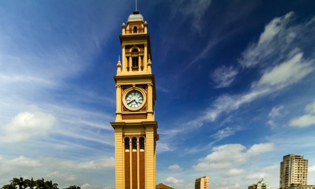 Visão da torre do relógio da Estação da Luz, em São Paulo, após o término da primeira etapa da reforma do Museu da Língua Portuguesa Foto: Joca Duarte / Divulgação