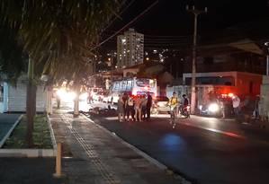 Ato. Manifestação na Rua Mário Viana, em Santa Rosa, na terça-feira: o bairro foi um dos que registraram protestos de moradores devido ao desabastecimento Foto: Lívia Neder