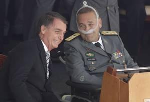 O presidente Jair Bolsonaro e o general Eduado Villas Bôas Foto: Gabriel de Paiva / Agência O Globo