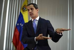 Líder opositor Juan Guaidó durante entrevista em Caracas, na Venezuela Foto: YURI CORTEZ / AFP