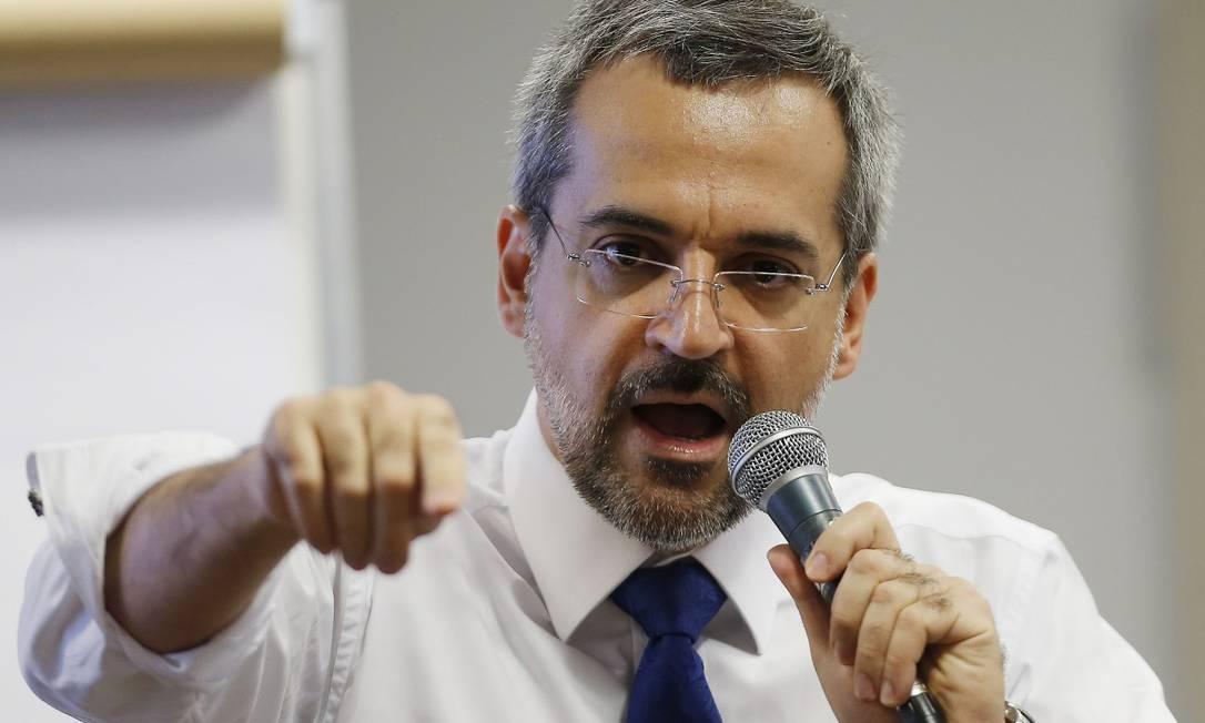 O ministro da Educação, Abraham Weintraub, na Comissão de Educação do Senado Federal Foto: Jorge William