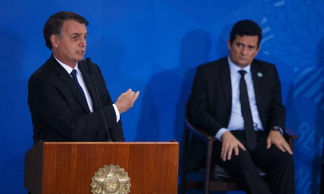 Resultado de imagem para 'Não preciso fritar ministro para demitir', diz Bolsonaro sobre Moro