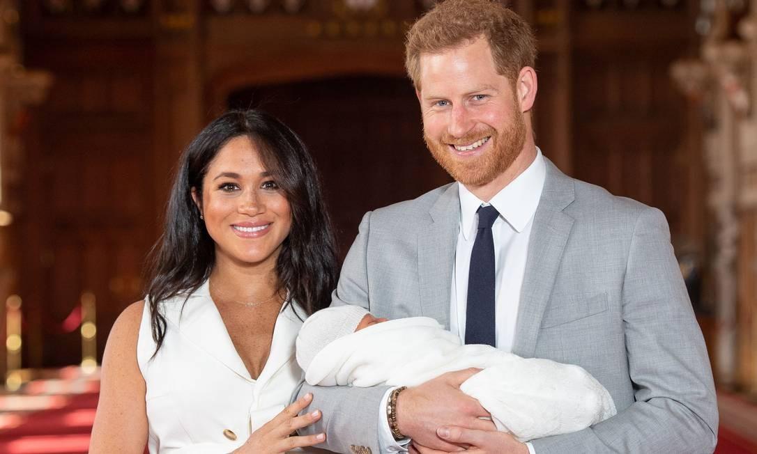 Oitavo bisneto da rainha Elizabeth II, o bebê nasceu pesando 3,175 kg Foto: DOMINIC LIPINSKI / AFP