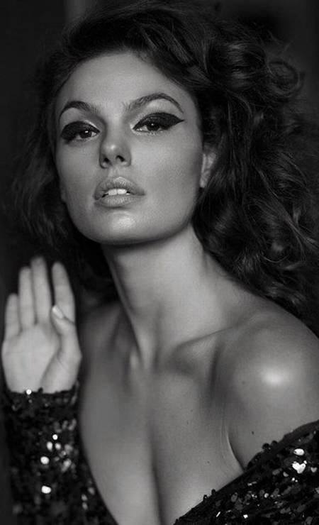 A atriz Isis Valverde Foto: Aderi Costa