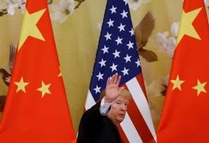 Trump se disse 'feliz' em manter as tarifas no nível atual, e ainda aposta nas negociações. Foto: Thomas Peter / REUTERS