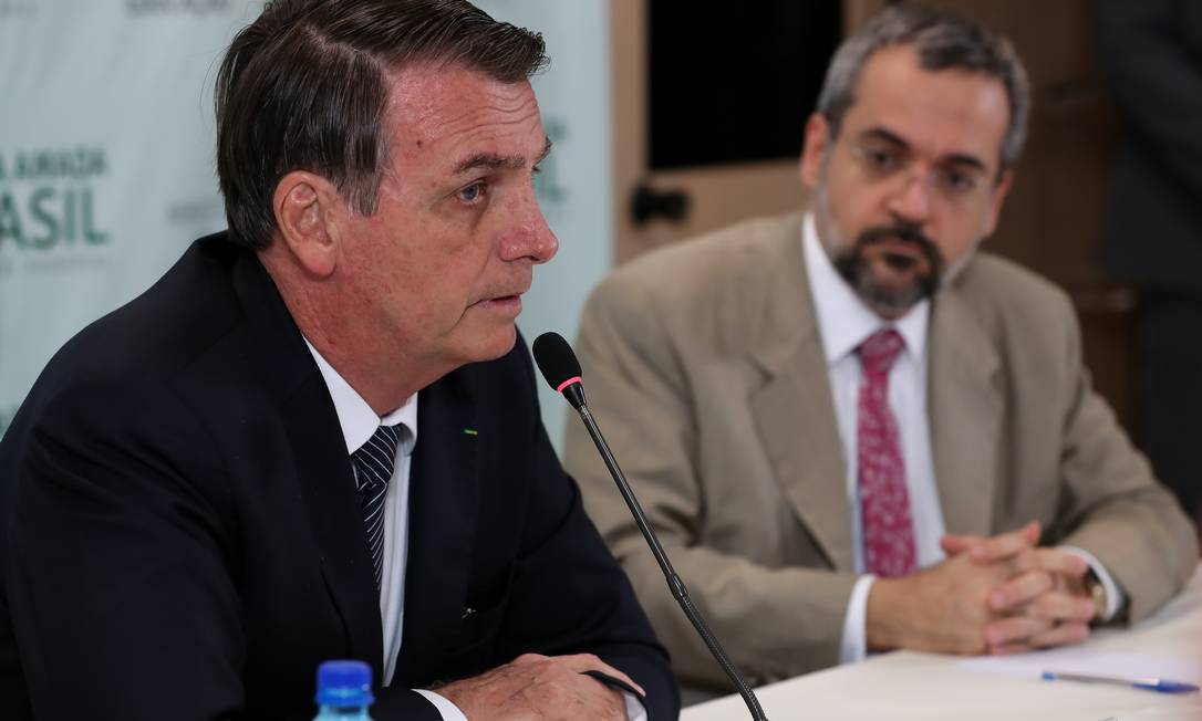 O presidente Jair Bolsonaro e o ministro da Educação, Abraham Weintraub Foto: Marcos Corrêa/PR