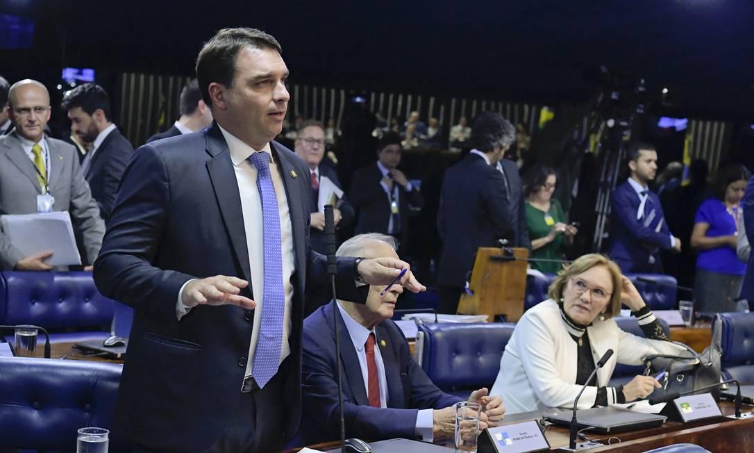 O senador Flávio Bolsonaro (PSL-RJ), durante pronunciamento no plenário do Senado Foto: Waldemir Barreto/Agência Senado
