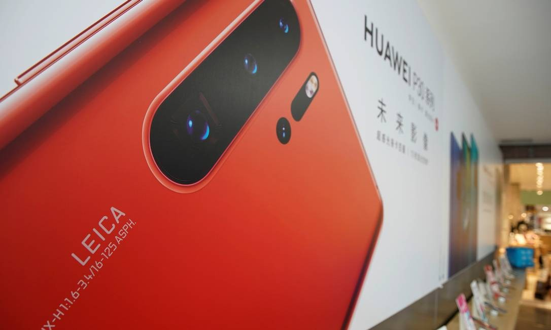 A Huawei é a segunda maior fabricante de smartphones do mundo e a Xiaomi, a quarta Foto: ALY SONG / REUTERS