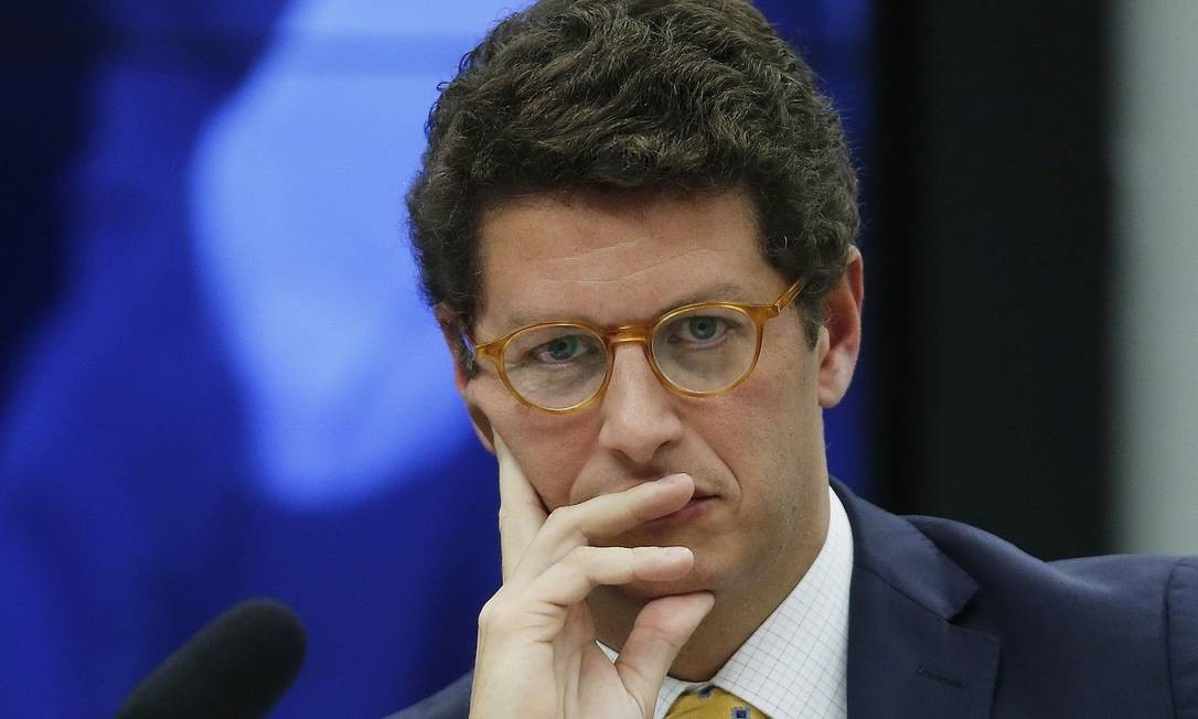 Ricardo Salles prepara a flexibilização dos licenciamentos ambientais; alguns setores podem ser até dispensados. Foto: Jorge William / Agência O Globo
