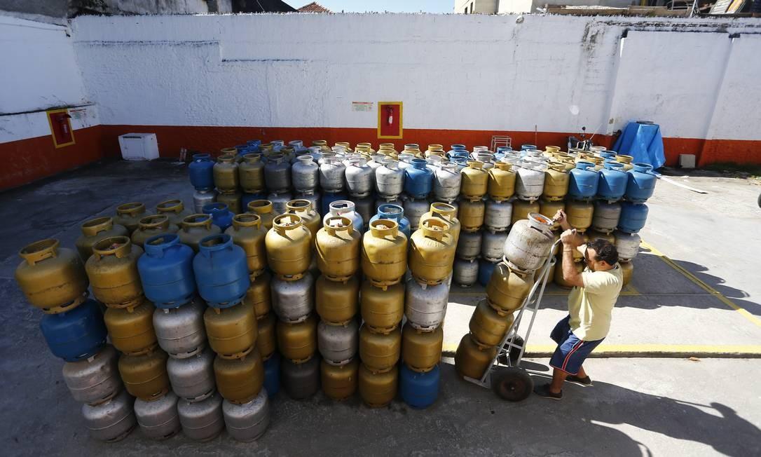 Governo revoga resolução de 2005 que criou a política de diferenciação de preços Foto: Pablo Jacob / Agência O Globo