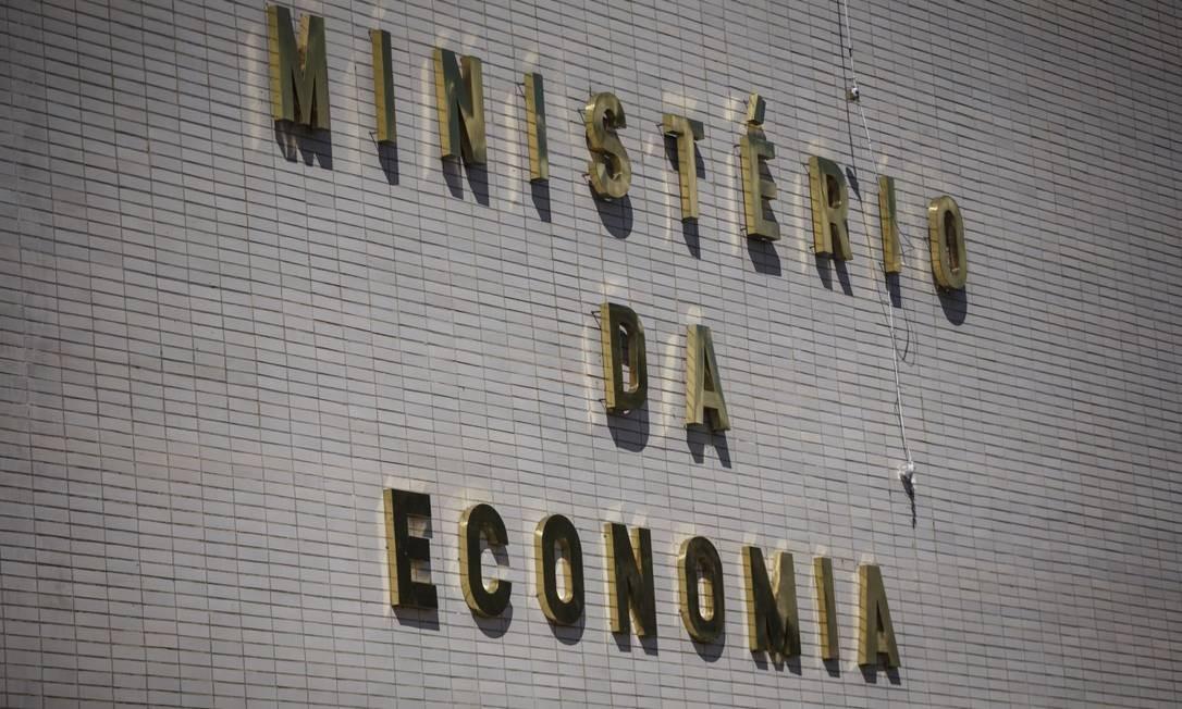 O secretário observou que déficit primário estimado para o ano que vem é de R$ 124 bilhões e que há previsão de déficit pelo menos até 2022 Foto: Daniel Marenco / Agência O Globo