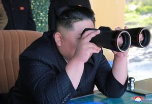 Kim Jong-un superviosa exercício militar na Coreia do Norte Foto: KCNA 10-05-2019 / REUTERS