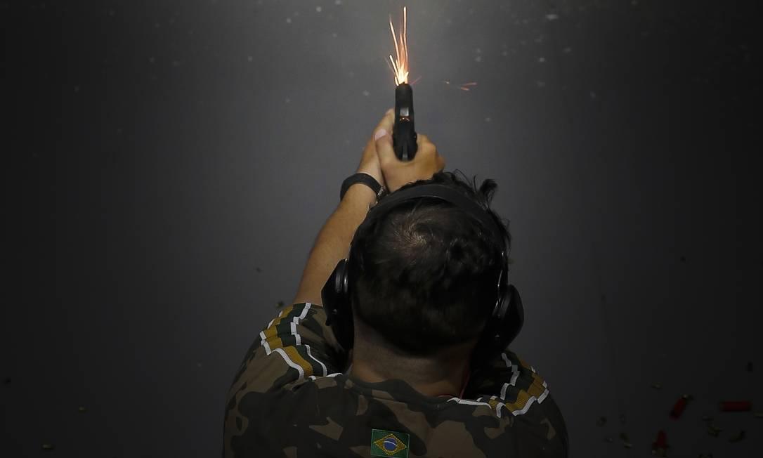 Número de armas de fogo registradas no Brasil aumentou 10% desde o decreto de Bolsonaro sobre a posse em janeiro Foto: Edilson Dantas / Agência O Globo