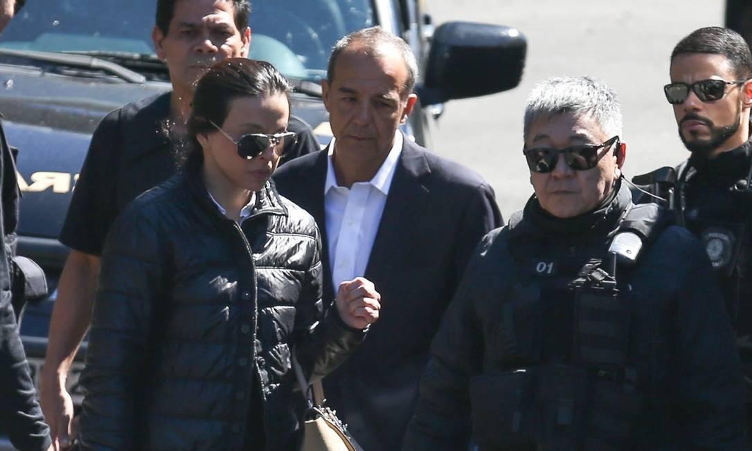 Menos de um mês depois, também foi presa a mulher de Cabral, a advogada Adriana Ancelmo, no dia 6 de dezembro de 2016 Foto: Geraldo Bubniak / Geraldo Bubniak