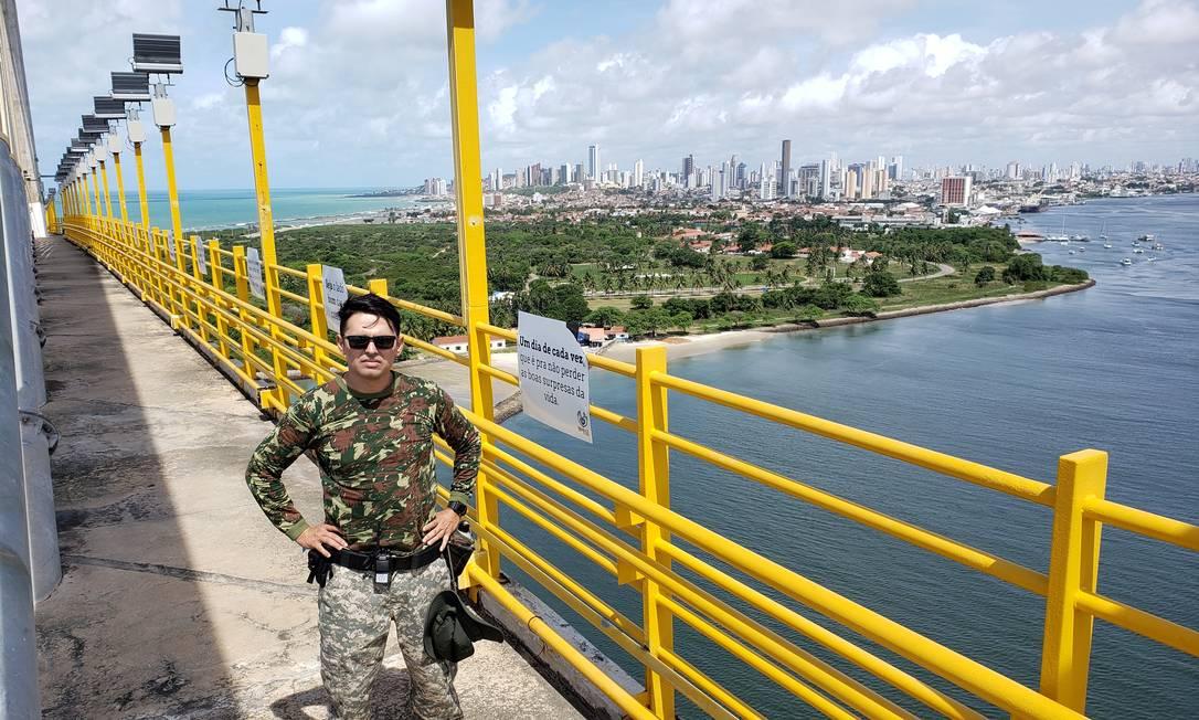 O pastor Rubens Medeiros na Ponte Newton Navarro Foto: Dinarte Assunção / Agência O Globo