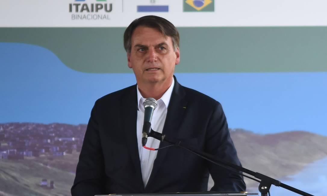 Bolsonaro fala durante cerimônia em Foz do Iguaçu nesta sexta-feira Foto: NORBERTO DUARTE / AFP
