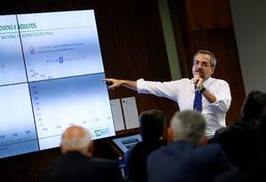 Ministro da Educação, Abraham Weintraub discursa durante sessão da Comissão de Educação do Senado Foto: ADRIANO MACHADO 07-05-2019 / REUTERS