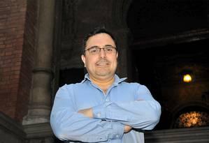 Arturo Sandoval desenvolveuuma vacina contra o vírus dochikungunya na Universidade de Oxford Foto: Divulgação/Virginia Damas