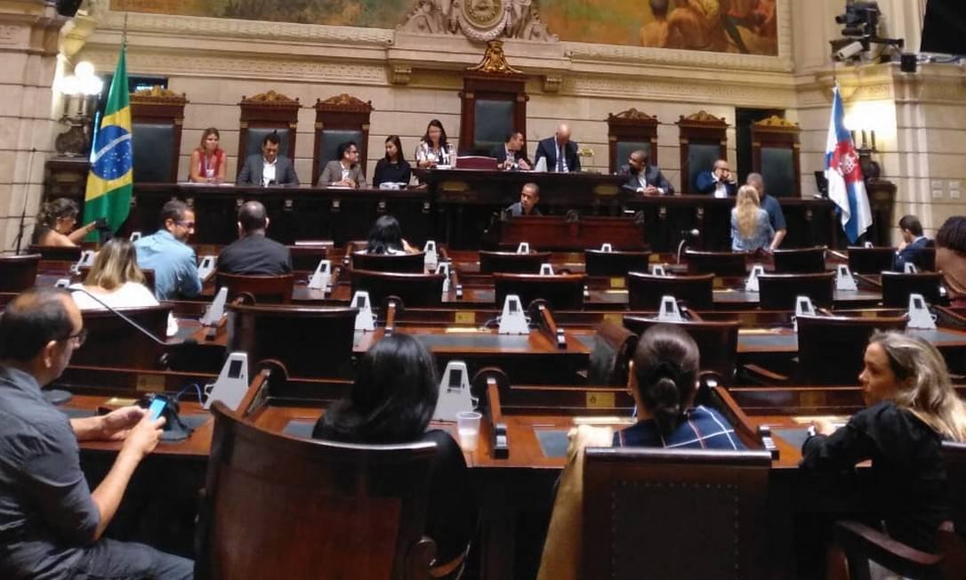 Vereadores se preparam para ouvir testemunhas de defesa de Crivella no plenário da Câmara Foto: Lucas Altino / Agência O Globo
