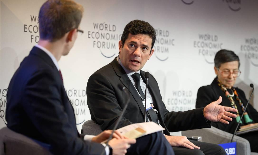 Moro em um dos primeiros compromissos como ministro da Justiça: participação no Fórum de Davos, onde negou que o governo Bolsonaro faça populismo sobre corrupção e defendeu um pacto empresarial no Brasil contra subornos Foto: FABRICE COFFRINI / AFP - 22/01/2019