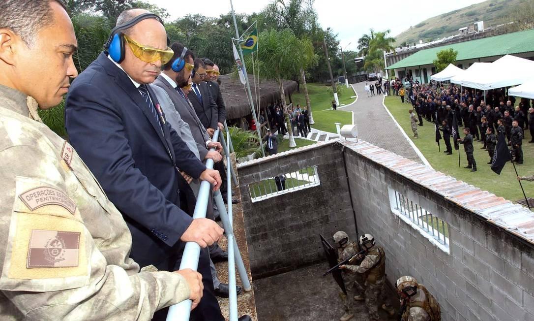 O governador Wilson Witzel em uma cerimônia de entrega de viaturas no Complexo de Gericinó Foto: NELSON PEREZ/GOVRJ / Divulgação/Nelson Perez