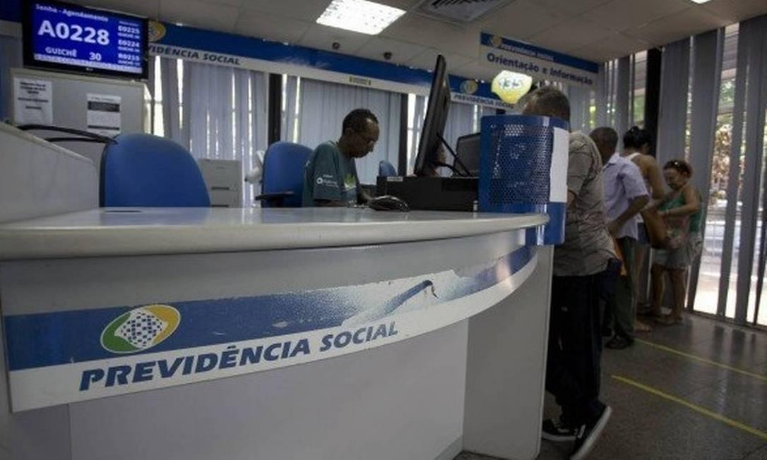 Em janeiro deste ano, o INSS pagou benefícios acidentários a mais de 800 mil segurados, gerando uma despesa de aproximadamente R$ 930 milhões naquele mês Foto: / Márcia Foletto / Agência O Globo