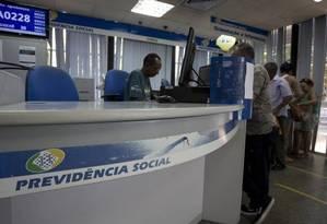 Em janeiro deste ano, o INSS pagou benefícios acidentários a mais de 800 mil segurados, gerando uma despesa de aproximadamente R$ 930 milhões naquele mês Foto: Márcia Foletto / Agência O Globo