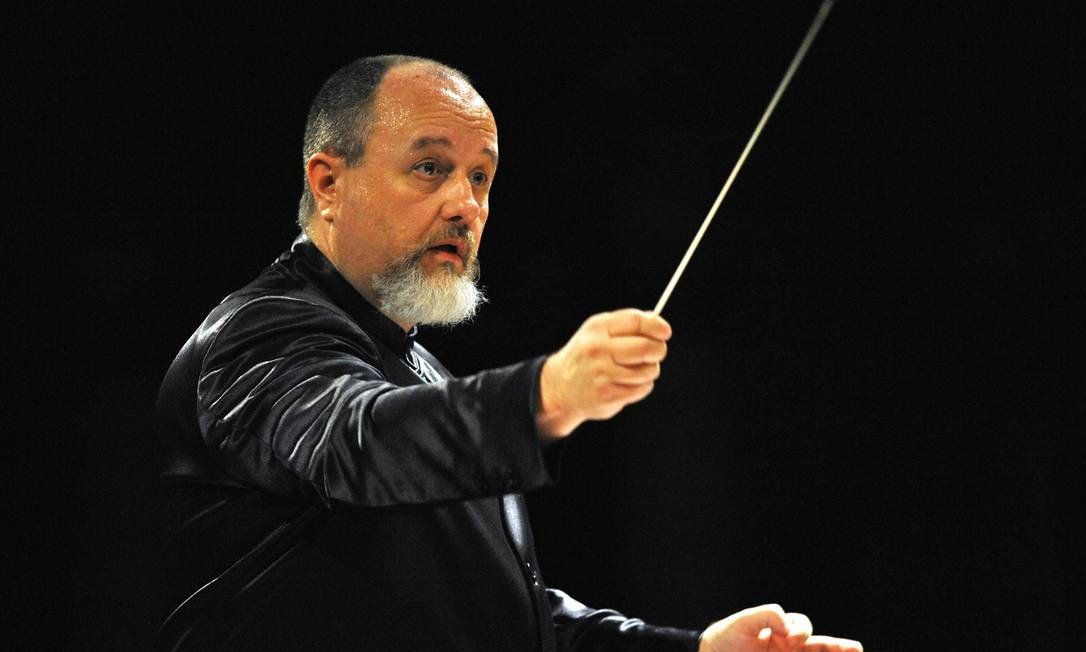 RS - Maestro Luiz Fernando Malheiro da OSB Foto: RUMEN KOYNOV / Divulgação