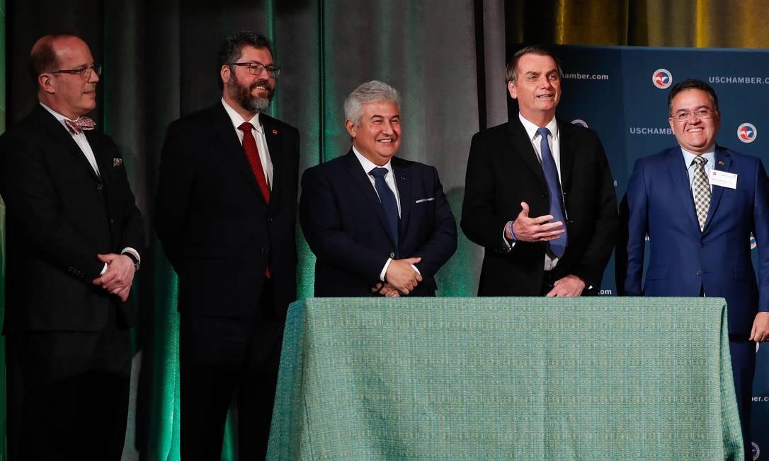 Em Washington, na primeira visita aos EUA, Jair Bolsonaro foi acompanhado de ministros de Estado, como Marcos Pontes (Ciência e Tecnologia) e Ernesto Araújo (Relações Exteriores) Foto: Alan Santos 18-03-2019 / PR