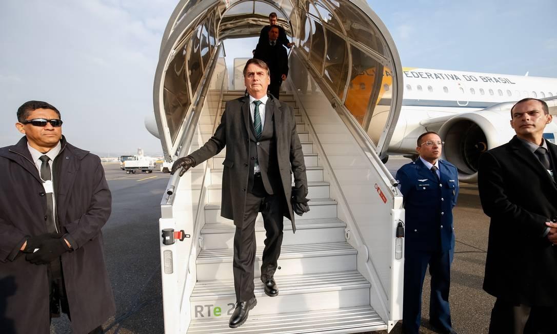 Recém-empossado presidente do Brasil, Jair Bolsonaro fez sua estreia internacional na Suíça. Na foto, ele desembarca em Zurique Foto: 21-01-2019 / Alan Santos/PR