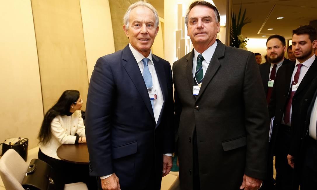 Durante Fórum Econômico Mundial, Jair Bolsonaro posa ao lado do ex-primeiro-ministro britânico Tony Blair Foto: Alan Santos 23-01-2019 / PR