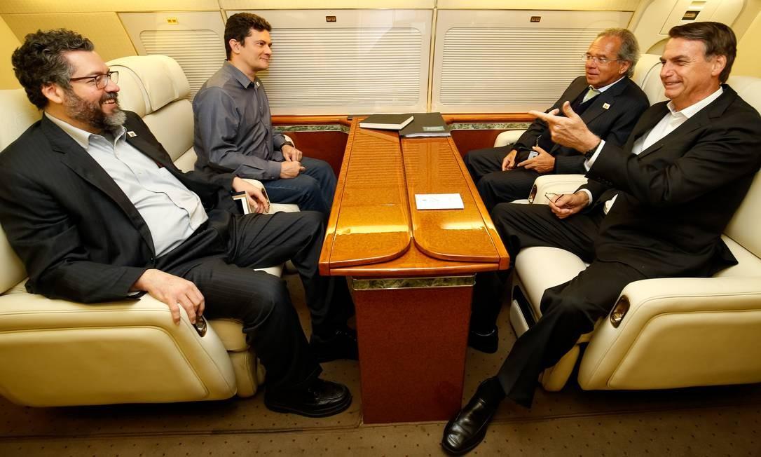 Jair Bolsonaro viajou à Suíça ao lado dos ministros Ernesto Araújo (Relações Exteriores), Sergio Moro (Justiça e Segurança Pública) e Paulo Guedes (Economia) Foto: Alan Santos 21-01-2019 / PR