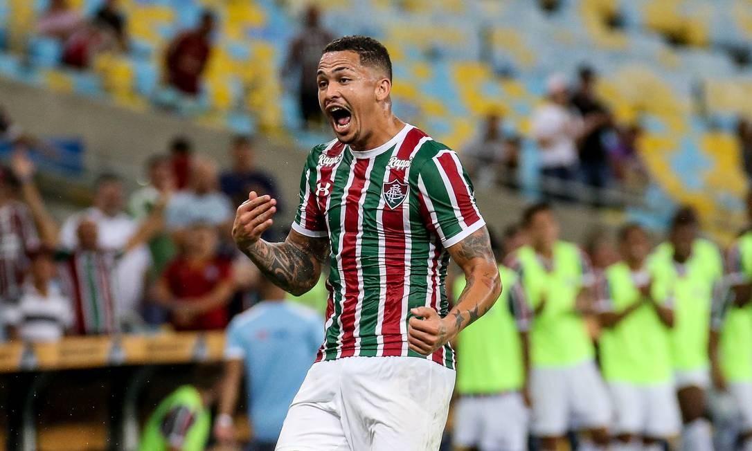 Luciano comemora seu gol na vitória do Fluminense sobre o Santa Cruz, pela Copa do Brasil Foto: Lucas Mercon/Fluminense