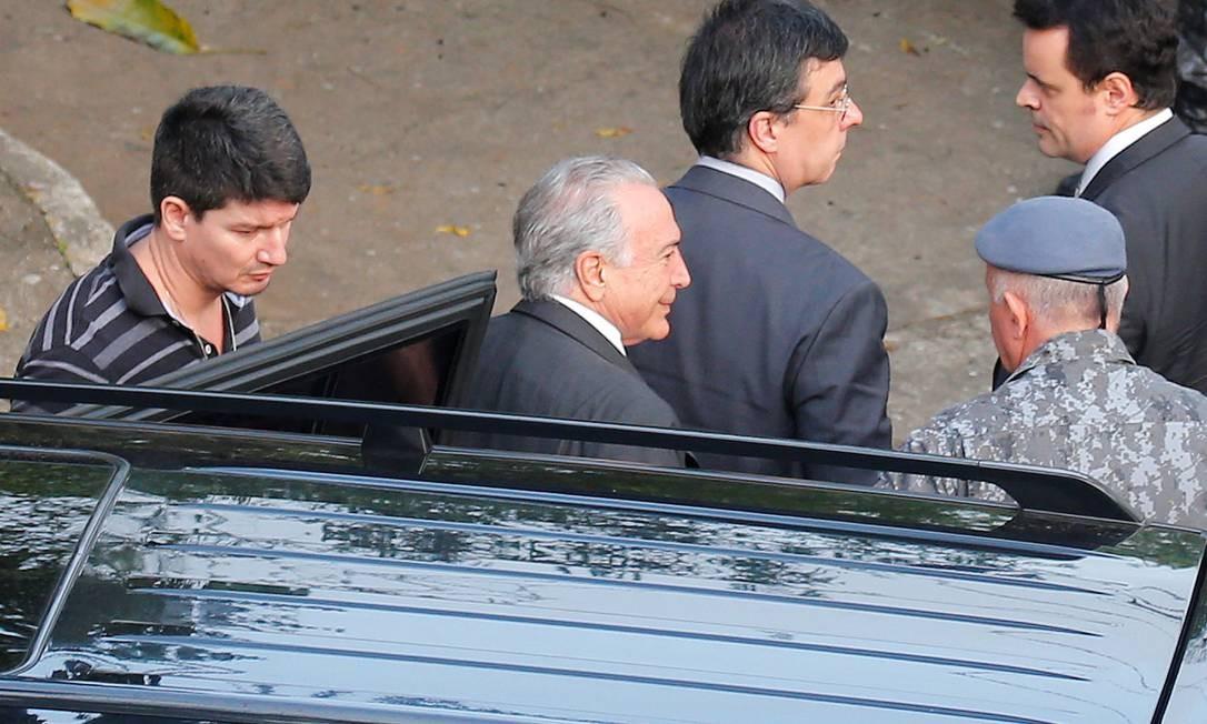 Transferido para um quartel da Polícia Militar na segunda-feira, Michel Temer deve ser solto nas próximas horas após decisão do STJ Foto: Nacho Doce / Reuters