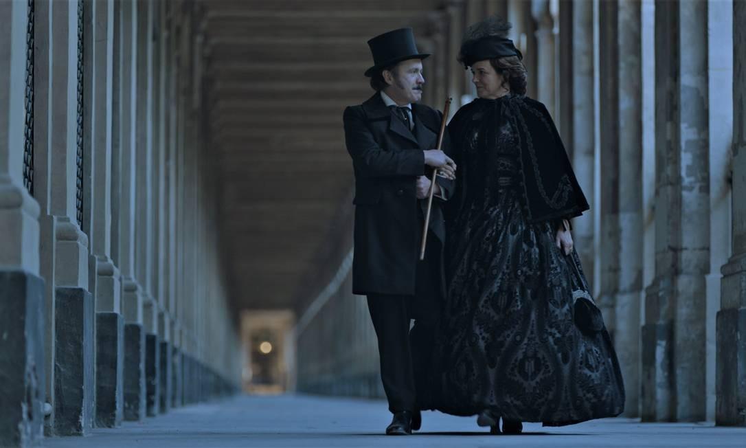 Leonardo Medeiros e Sandra Corveloni em cena do filme 'Kardec' Foto: Divulgação