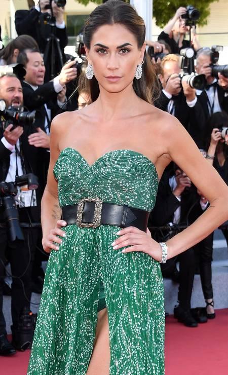 Melissa Satta: fenda ousada em Cannes Foto: Daniele Venturelli / WireImage