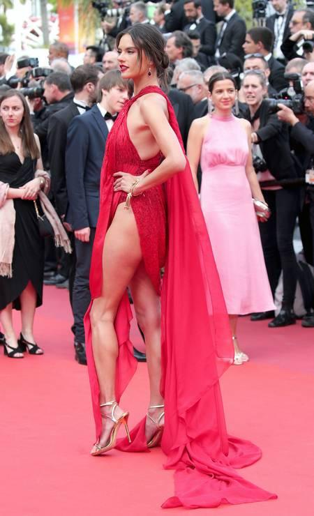 Alessandra Ambrosio: brilhou no tapete vermelho Foto: Gisela Schober / Getty Images