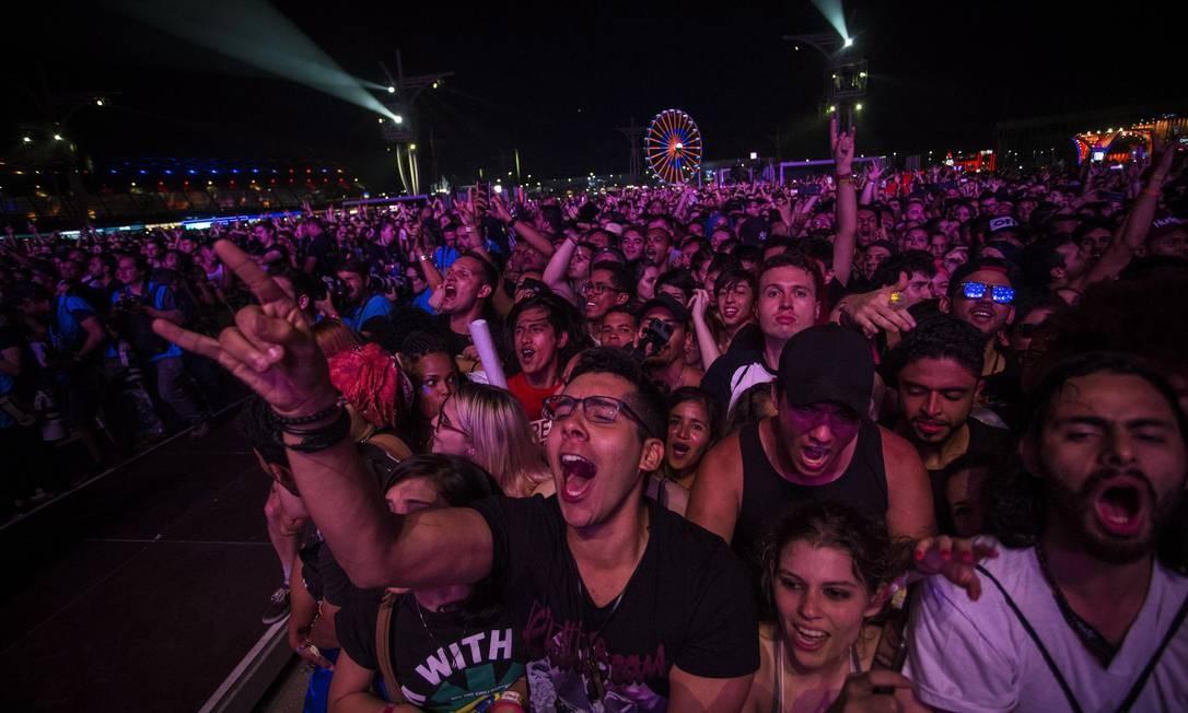 Público durante show do palco mundo no Rock In Rio Foto: Guito Moreto / Agência O Globo