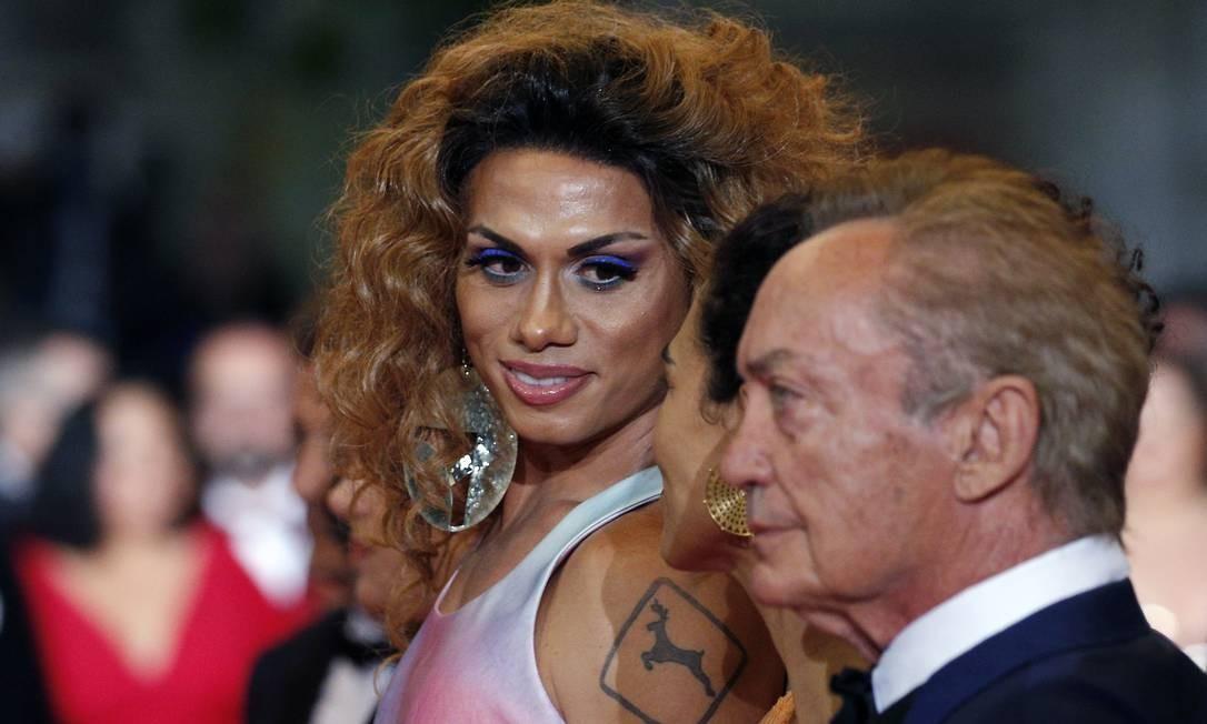 Silvero Pereira, Barbara Colen e Udo Kier Foto: STEPHANE MAHE / REUTERS