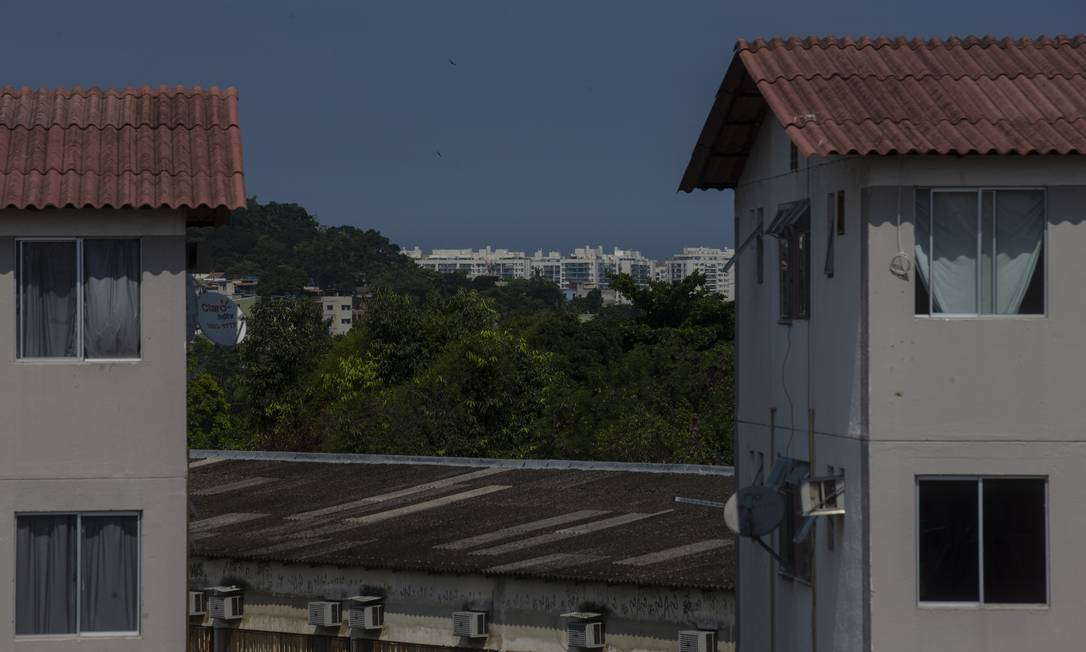 Conjunto do Minha Casa Minha Vida em Jacarepaguá, na Zona Oeste do Rio Foto: Alexandre Cassiano / Agência O Globo