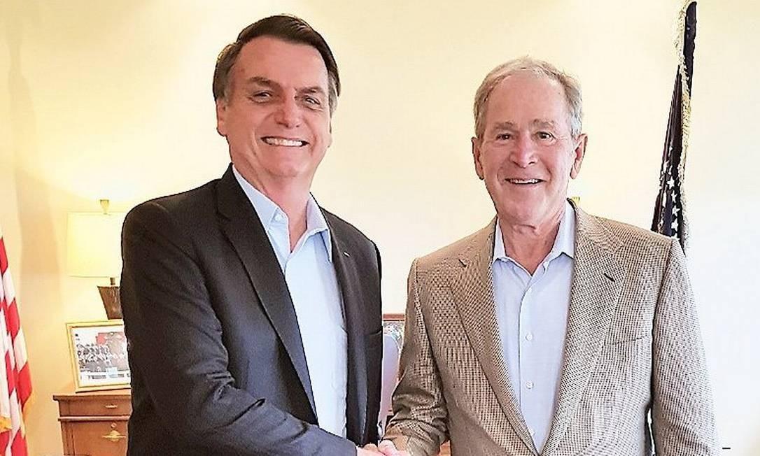 O presidente Jair Bolsonaro durante encontro com George W. Bush no Texas Foto: Reprodução/Twitter