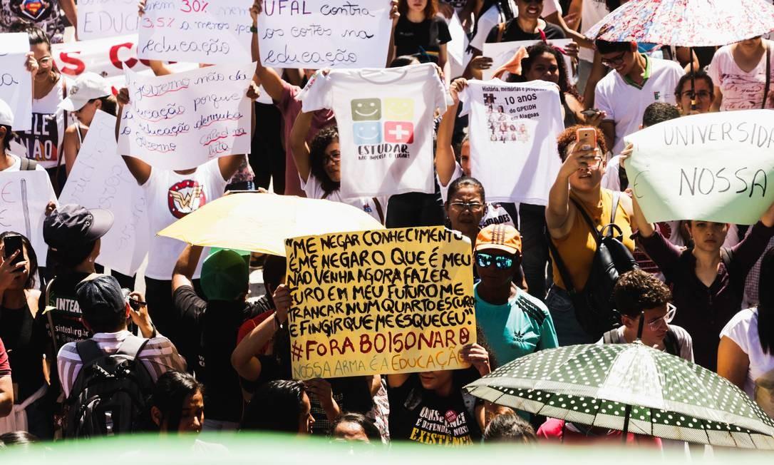 """""""Me negar conhecimento é me negar o que é meu"""", afirmam as estudantes de Maceió, alagoas (AL) Foto: Jr Manolo/Fotoarena / Agência O Globo"""